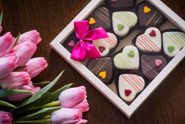 Herzen aus Nougat 12 Stück