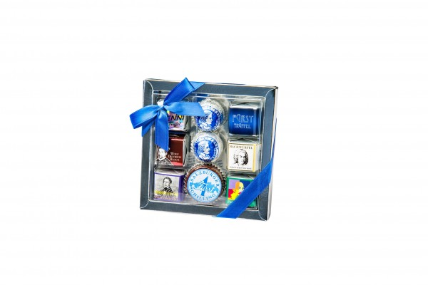 Assorted house specialities gift box, 9 pcs